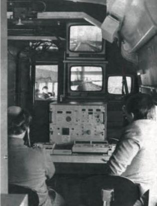 Contrôle visuel du comportement du pantographe sur écrans de télévision.