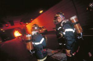 Essai d'incendie dans le tunnel de Monaco ; la circulaire prévoit d'organiser un exercice d'intervention des pompiers au moins une fois par an. © CH. Lionel DUPONT
