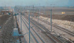 Le TGV est passé le 25 février à 371 km/h (après plusieurs essais à vitesse très élevée). Il vient de passer à 380,4 km/h. La voie n'a pas bougé, preuve de sa qualité. © J. Avenas