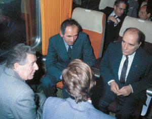 François Mitterrand, Charles Fiterman, alors ministre des Transports, et Jean Descoutures, lors de l'inauguration du TGV Paris - Lyon. © CAV