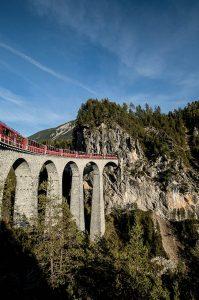 Le Bernina Express en Suisse. © Rätische Bahn/Andrea Badrutt
